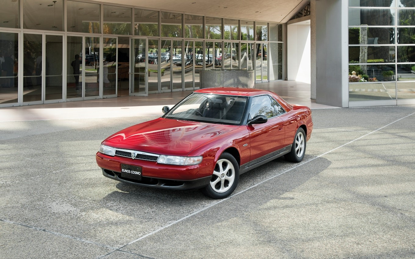 https://st.motortrend.com/uploads/sites/5/2013/01/1993-Eunos-Mazda-Cosmo-front-left-view.jpg